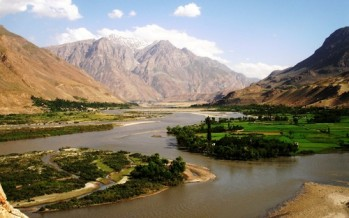 Afghanistan begins extracting raw petroleum from Amu River