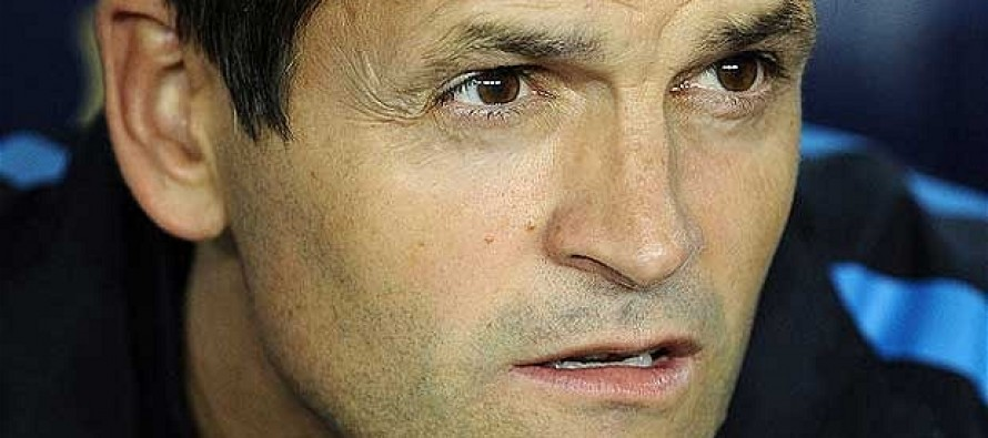 Real Madrid offer support as Barcelona announce Tito Vilanova will undergo chemotherapy
