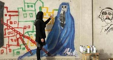 Afghan female artist beats the odds to create art