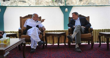 Zakhilwal, Ghani seek US economic support