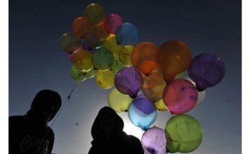 Artist to unleash 10,000 pink balloons on Kabul