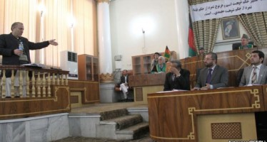 """""""Individuals behind Kabul Bank's collapse must be investigated"""""""