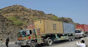 Afghan businessmen complain of extortions on highways
