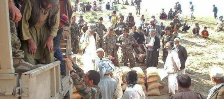 Commandos Provide Humanitarian Relief to Flood Victims