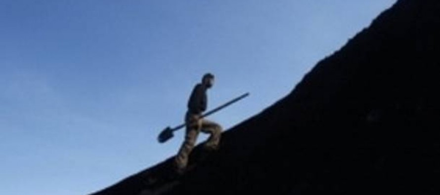 Residents continue illegal coal mining in Samangan province