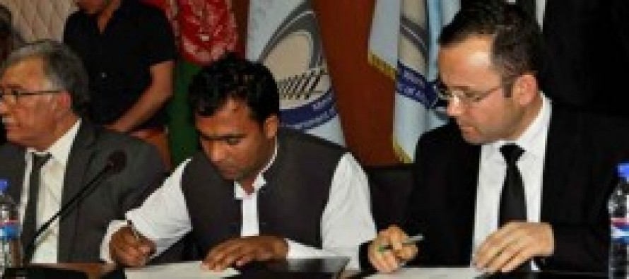 Afghan Government signs 18 agreements with local construction companies
