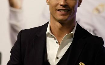 Cristiano Ronaldo receives his 3rd golden boot