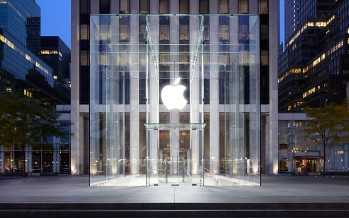 Apple amasses a record pile of cash worth USD 178bn