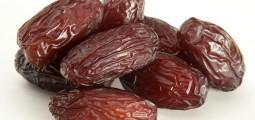 Vulnerable Afghans to receive Saudi Arabian dates for Ramadan