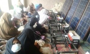 Spinning wheels turning women's lives around in Jalalabad