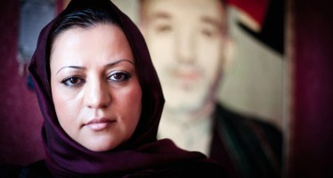 "Afghan woman receives ""Jewels of Muslim Awards"""