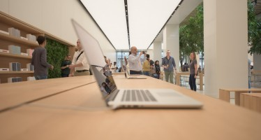 Middle East's first official Apple store opens in Dubai & Abu Dhabi