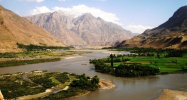 Oil extraction begins in Amu River in northern Afghanistan