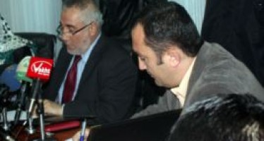 Reconstruction project of the Khenjan-Bano road handed in to an Afghan company
