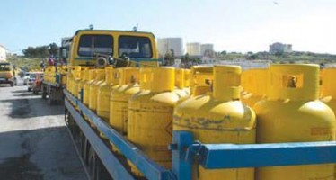 Smuggling to Pakistan hikes gas prices in Kandahar