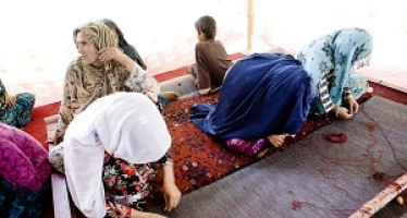Carpets as future livlihood for Afghan women
