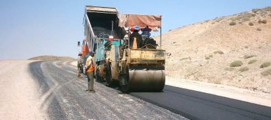 Afghan Public Works Ministry signs 8 road construction contracts