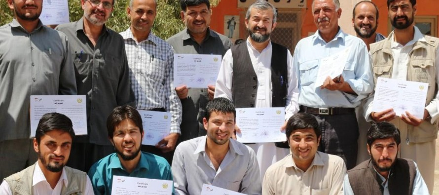 Civil servants in Balkh complete course in English and computing provided with German aid