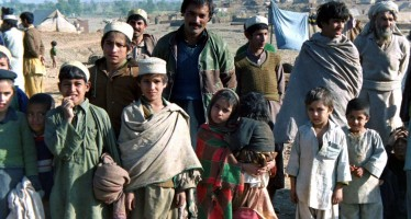 Afghan and Pakistani officials reach an agreement on undocumented Afghan refugees