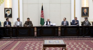 President Ghani meets with Afghanistan's carpet weavers union