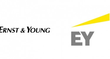 Ernst & Young removes university degree requirements from its recruitment policy