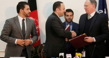 Afghan government signs 2 agreements worth $128mn with World Bank