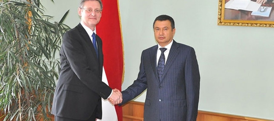 Belarus, Tajikistan to develop trilateral cooperation with Afghanistan