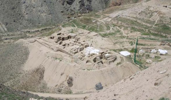 Pieces Of Buddhist Manuscript Discovered in Mes Aynak