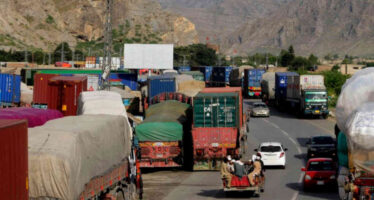 More Than 9000 Containers of Afghan Goods Stopped in Pakistan