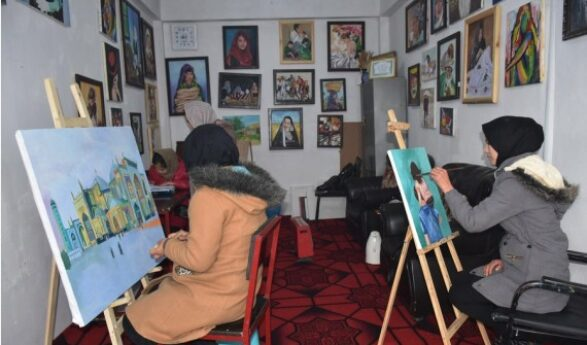 Painting Inspires Afghan Girls to Break Through Confinements of Tradition