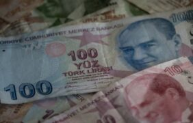 Turkish Lira Plunges Sharply Against US Dollar
